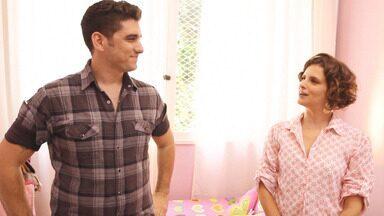 Quarto de adolescente e Escritório - Para recepcionar a filha, Marcos quer transformar um dos cômodos da casa em um quarto de criança. Micaela ajuda na organização já que o lugar tem caixas espalhadas pelos cantos.