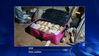 Polícia Civil apreende cocaína e lança-perfume em Cabreúva - Mais de 27 quilos de cocaína e vários litros de lança-perfume foram apreendidos em Cabreúva (SP), na madrugada desta quarta-feira (28).