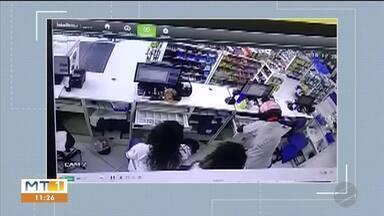 Polícia prende homem suspeito de participar de pelo menos 10 roubos - Polícia prende homem suspeito de participar de pelo menos 10 roubos.