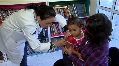 São Paulo registra primeira morte por sarampo em 22 anos - Vítima tinha 42 anos e não havia sido imunizada. O Estado de São Paulo concentra quase todos os casos da doença e a vacinação tem sido um problema.