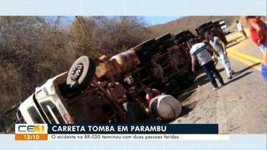 Carreta tomba em Parambu e duas pessoas ficam feridas - Saiba mais em g1.com.br/ce