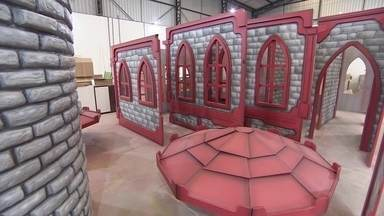 """Empresários criam """"fábrica de sonhos"""" em Indaiatuba, no interior de São Paulo - Sócios criaram um empresa que constrói cenários para buffets, brinquedotecas e até quiosques de shoppings."""
