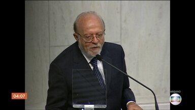Ex-governador de São Paulo, Alberto Goldman, morre aos 81 anos - O corpo de Alberto Goldman será velado na Assembleia Legislativa do Estado. O ex-governador morreu neste domingo (1). Ele estava tratando um câncer desde janeiro.