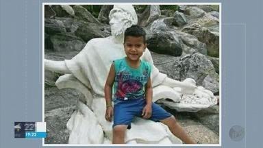 Menino de 7 anos morto por picada de escorpião é enterrado em Poço Fundo (MG) - Menino de 7 anos morto por picada de escorpião é enterrado em Poço Fundo (MG)