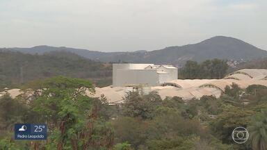 Mais de 260 funcionários de indústria de cerâmica são demitidos em Santa Luzia - Empresa alegou que vai transferir a produção para Santa Catarina.