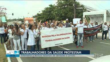 Profissionais de saúde realizam manifestação em São Luís - Protesto foi realizado nesta segunda (2). Enfermeiros e técnicos de enfermagem exigem o fim das demissões e o aumento da jornada de trabalho.