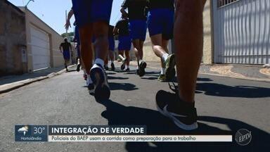 Policiais do BAEP usam a corrida como preparação para o trabalho - Enquanto treinam para Corrida Integração, policiais aperfeiçoam condicionamento.