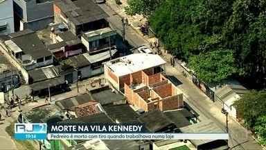 Pedreiro é morto enquanto trabalhava na Vila Kennedy - A morte de José Pio Baía Júnior durante uma operação policial revoltou os moradores da comunidade.