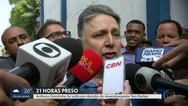 Depois de 21 horas preso, Anthony Garotinho é solto por decisão da Justiça - O ex-governador ficou preso na cadeia pública de Benfica. Agentes seguem para o presídio de Bangu para soltar a ex-governadora Rosinha Garotinho.
