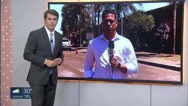 A polícia prendeu um homem que tentou matar a ex-companheira no Recanto da Emas - O crime foi no último fim de semana. Alessandro Conceição, de 32 anos, tentou agarrar e esfaqueou a Edliene Oliveira, de 31 anos.
