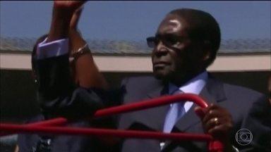 Morre, aos 95 anos, ex-ditador do Zimbábue, Robert Mugabe - Mugabe foi herói da independência da antiga colônia britânica, mas se tornou líder autoritário que massacrou rivais e afundou a economia do país. Exército o obrigou a renunciar em 2017.