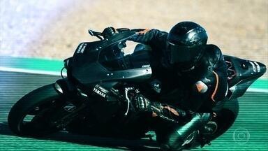 Campeão da Fórmula 1 encara o desafio de entrar na Moto GP - Veja também as mudanças nos capacetes da MotoGP.