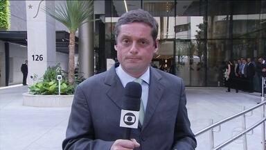 Presidente Bolsonaro segue em centro cirúrgico em hospital da Zona Sul de São Paulo - O procedimento, para corrigir uma hérnia abdominal, é considerado de média complexidade, mas de baixo risco.