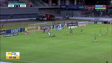 No Rei Pelé, CSA derrota a Chapecoense e sai da penúltima posição do Brasileiro - Azulão joga bem e vence por 2 a 0