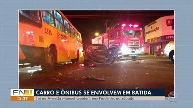 Carro e ônibus se envolvem em batida na Avenida Manoel Goulart - No automóvel foram encontradas porções de maconha e de haxixe.