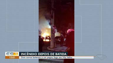 Carro pega fogo depois de se envolver em acidente em Vila Velha, ES - Acidente aconteceu na alça da Terceira Ponte, por volta das 22h deste domingo (8). Testemunhas contaram que a batida não foi forte, mas o fogo destruiu o carro.