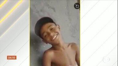 Enterrado o corpo de menino baleado na cabeça durante confronto no RJ - Cauê, de 12 anos, vendia bala para ajudar a família.
