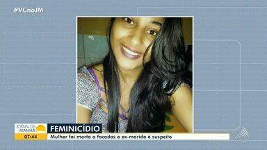 Feminicídio: jovem de 20 anos é morta a facadas na praça de Entre Rios - O namorado dela também foi golpeado. O ex-marido da mulher é o principal suspeito do crime e está sendo procurado pela polícia.