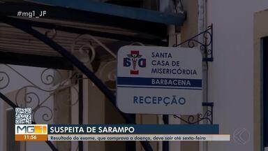 Procura por vacina contra o sarampo aumenta em Barbacena - Uma criança de Mercês está internada em isolamento na Santa Casa do município com suspeita da doença.