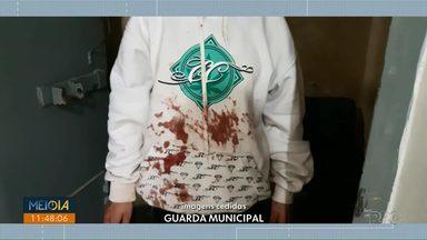 Mulher é assassinada a facadas em Ponta Grossa - Uma adolescente e uma jovem foram levadas para a delegacia como suspeitas pelo crime.