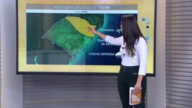 Quinta-feira (12) é marcada pela chuva intensa por todo RS - Região sul foi a mais afetada pelos temporais.