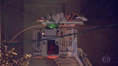 Incêndio em hospital particular deixa 10 mortos no Rio de Janeiro - A maioria das vítimas estava no centro de tratamento intensivo, que fica em dois andares do hospital.