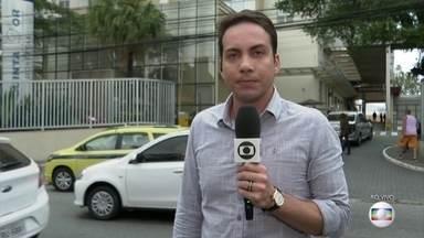Pacientes retirados do hospital Badim foram levados para outras unidades de saúde do Rio - Quase 100 pacientes foram transferidos para outras unidades de saúde. Chamas atingiram prédio às 18h30 desta quinta-feira. Defesa Civil interditou o hospital nesta sexta-feira.