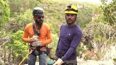 Pablo Vasconcelos faz rapel de 70 metros no Vale do Agreste - Pablo Vasconcelos faz rapel de 70 metros no Vale do Agreste