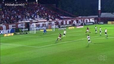 Atlético-GO cede empate no fim e perde a chance de encostar no Bragantino - Clubes ficam no 1 a 1 em duelo de líderes da Série B do Brasileiro