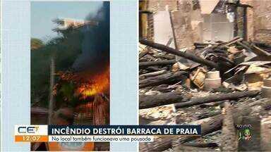 Fogo destrói barraca na praia de Lagoinha - Saiba mais em g1.com.br/ce