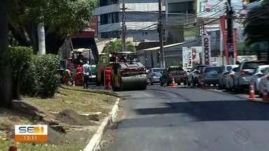 Serviço de recapeamento continua na Avenida Beira Mar em Aracaju - Serviço de recapeamento continua na Avenida Beira Mar em Aracaju.