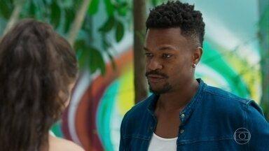 Ramon aconselha Gabriela a contar para Paloma que dormiu na casa de Vicente - Vicente e Patrick discutem por causa de Gabriela