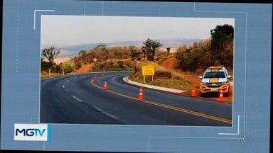 Motociclista morre na MG-146 próximo a Serra do Salitre - Ele perdeu o controle da direção da moto quando passava pela curva da Catiara.