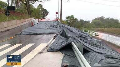Acesso da BR-158 na travessia de Santa Maria está bloqueada por conta de desmoronamento - Não há previsão para normalização.