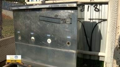 População reclama de situação dos bebedouros no Parque do Povo - Alguns estão quebrados ou com vazamentos.
