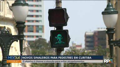 Novos sinaleiros para pedestres em Curitiba - O objetivo é evitar atropelamentos.