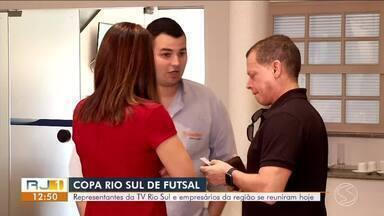 Reunião marca início de preparação para a Copa Rio Sul de Futsal 2020 - Encontro reuniu representantes da TV Rio Sul e empresários da região.
