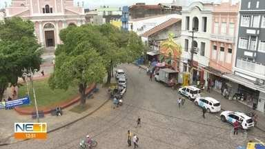 Praça Dom Vital, em frente ao Mercado de São José, passa por novas mudanças - Comerciantes que trabalhavam no local foram realocados.