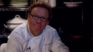 Capeletti ao Brodo - Um capeletti ao brodo de uma família italiana é o primeiro desafio do chef Claude Troisgros na nova Temporada Revanche. Será que o prato vai conquistá-los?