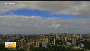 Previsão do tempo: Salvador tem nebulosidade e chuvas isoladas nesta quinta-feira - Veja também as fotos do quadro 'Amanhecer' e as informações para o interior do estado.