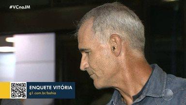 Técnico do Vitória é demitido do clube após derrota para o São Bento - Resultado da partida, que aconteceu na noite de terça-feira (17), foi 2 a 0. Carlos Amadeu conseguiu obter quase 50% de aproveitamento enquanto esteve à frente do time.