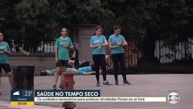 Bom Dia SP - Edição de quinta-feira, 19/09/2019 - Motorista de aplicativo é morto na Grande São Paulo. Plícia prende carga de nafta em São Paulo. Vídeo mostra assalto em ponto de ônibus em São Paulo.