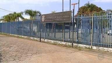 Polícia Federal deflagra Operação Proteção Integral de combate à pornografia infantil - A Polícia Federal deflagrou na manhã desta terça-feira (24) a Operação Proteção Integral para o cumprimento de nove mandados de busca e apreensão. A ação visa ao combate à pornografia infantil e ocorreu em Presidente Prudente (SP), Marília (SP), Bauru (SP), São Paulo (SP) e Brasília (DF).