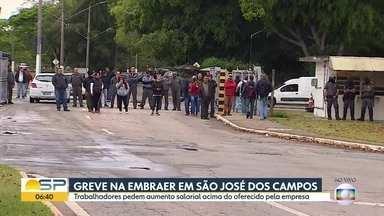Greve na Embraer em São José dos Campos - Trabalhadores pedem aumento salarial acima do oferecido pela empresa.