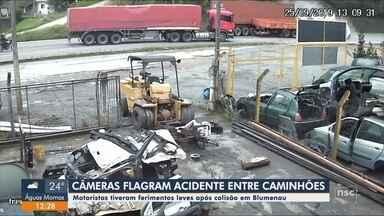 Câmeras de segurança flagram colisão entre dois caminhões em Blumenau - Câmeras de segurança flagram colisão entre dois caminhões em Blumenau