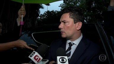 Sergio Moro se reúne com Rodrigo Maia para defender pacote anticrime - Grupo de trabalho da Câmara retirou do texto vários trechos apresentados por Moro. Projeto agora vai para o plenário.