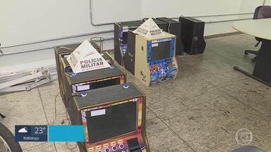 Dez máquinas caça-níqueis são apreendidas em BH - Equipamentos foram recolhidos durante operação da PM no Centro da capital.