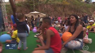Moradores de Sabará aproveitaram o dia para se divertir no Viva a Rua - O projeto é uma iniciativa da Globo com realização do Sesc, e busca resgatar a rua e os espaços públicos como locais de lazer para a população.