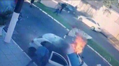 Mulher morre após ex-companheiro incendiar carro, no interior de São Paulo - Luciene Ferreira Sena chegou a ser transferida para o hospital, mas não resistiu aos ferimentos. O agressor também morreu.