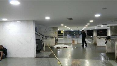 Cinco assassinatos foram registrados na noite desta segunda (30) no Distrito Federal - Brasília teve uma noite violenta, com cinco assassinatos registrados em poucas horas. Um destes casos foi o de uma mulher morta a facadas dentro de casa.